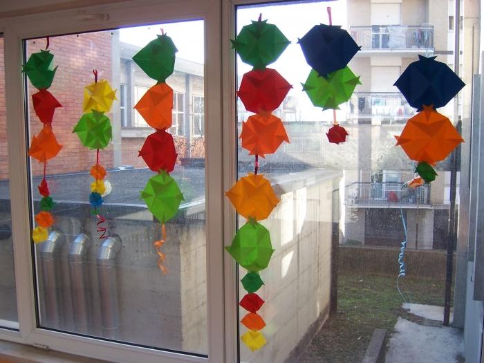 Scuola primaria carta riciclata addobbi di natale for Addobbi scuola infanzia